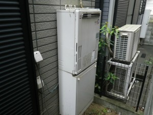 ガス給湯器取替工事(神戸市灘区)取替施工前
