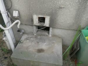 ガス給湯器取替工事(神戸市垂水区)既設撤去完了後